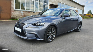 Auto Lexus IS300H F-Sport 2013a.
