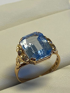 18 kt. Yellow gold - Ring - 6.00 ct Spinel